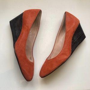 Taryn Rose Peach Kathleen Wedge Size 9.5